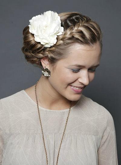 Beauty Tutorial Romantische Hochsteckfrisur Mit Blume Im Haar