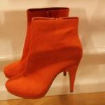 Im Showroom von H&M: Die Accessoires im Sommer 2012