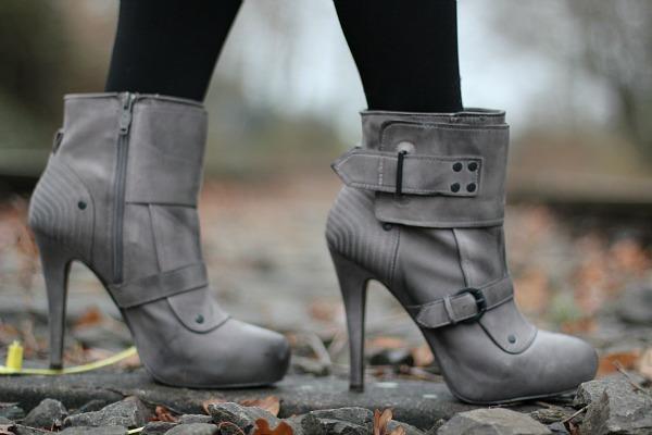 Egoist Boots Ash