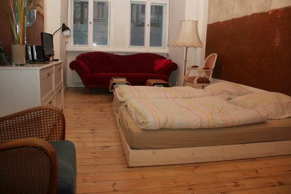 unsere fashion week wg in berlin. Black Bedroom Furniture Sets. Home Design Ideas