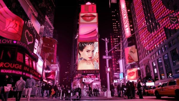 Lancôme makes the world fall In Love!