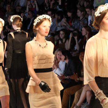 Toptrend auf der Berliner Fashion Week: Blumenkränze im Haar