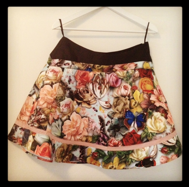 New In: Traumrock von Ted Baker