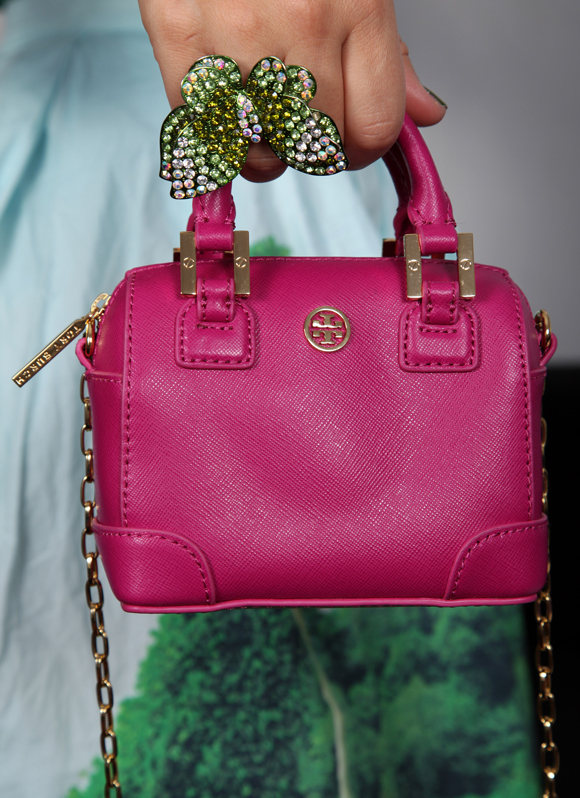 Say hello to my new Tory Burch bag!
