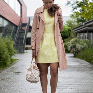 25 Kleidungsstücke – 50 Looks  Outfit 48  Hallhuber Sommermantel + Coast  Kleid - Josie Loves dea6e5db2d