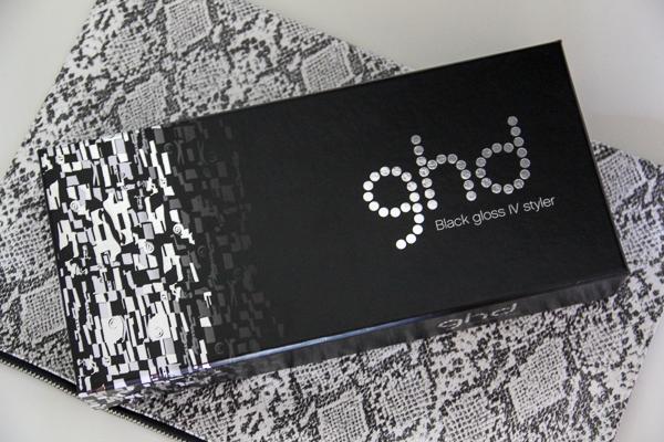 Gewinnt einen Black Gloss IV Styler von ghd!