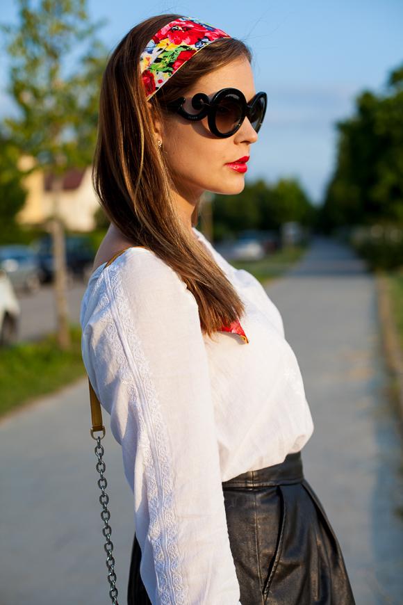 12a7e29bd54e 25 Kleidungsstücke – 50 Looks  Outfit 20  Hallhuber Rock + Hallhuber  Tunikabluse