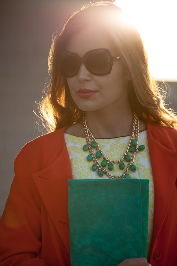 25 Kleidungsstücke – 50 Looks: Outfit 48: Hallhuber Sommermantel + Coast Kleid