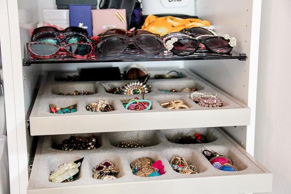 einblicke in meinen kleiderschrank josie loves. Black Bedroom Furniture Sets. Home Design Ideas