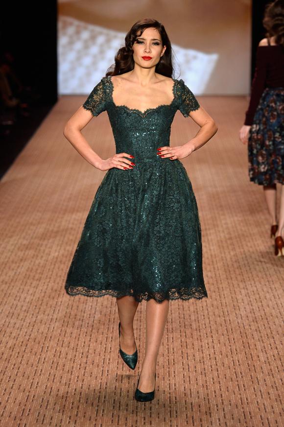 lena hoschek show mercedes benz fashion week autumn winter 2014 15 josie loves. Black Bedroom Furniture Sets. Home Design Ideas