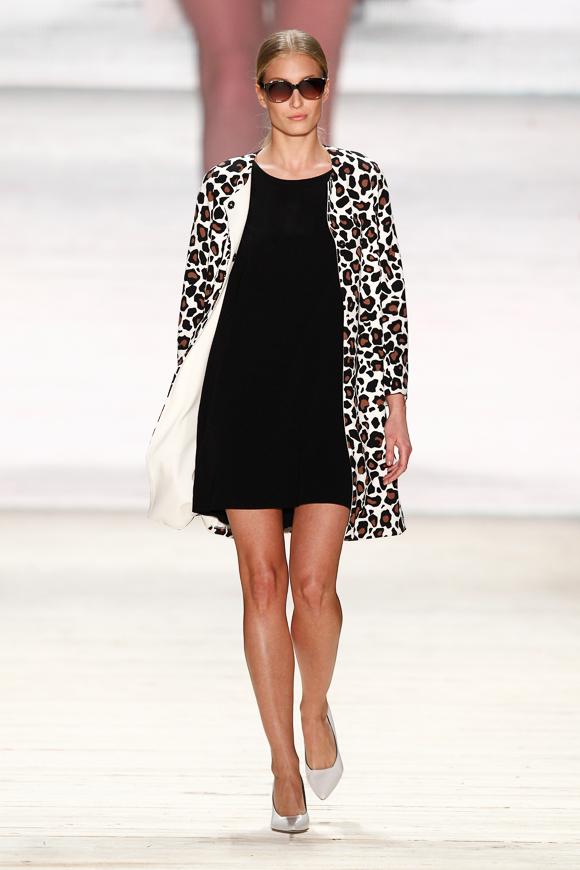 Josie loves Fashion ID: Gewinnt einen Mantel im Leo-Look von Marc Cain!