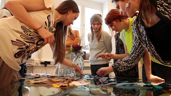 Josie loves, Masha Sedgwick, Les Attitudes und FashionHippieLoves für Bogner Bags & Belts