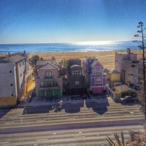 Malibu Beach Houses
