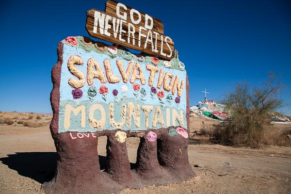 Der Salvation Mountain in der südkalifornischen Wüste