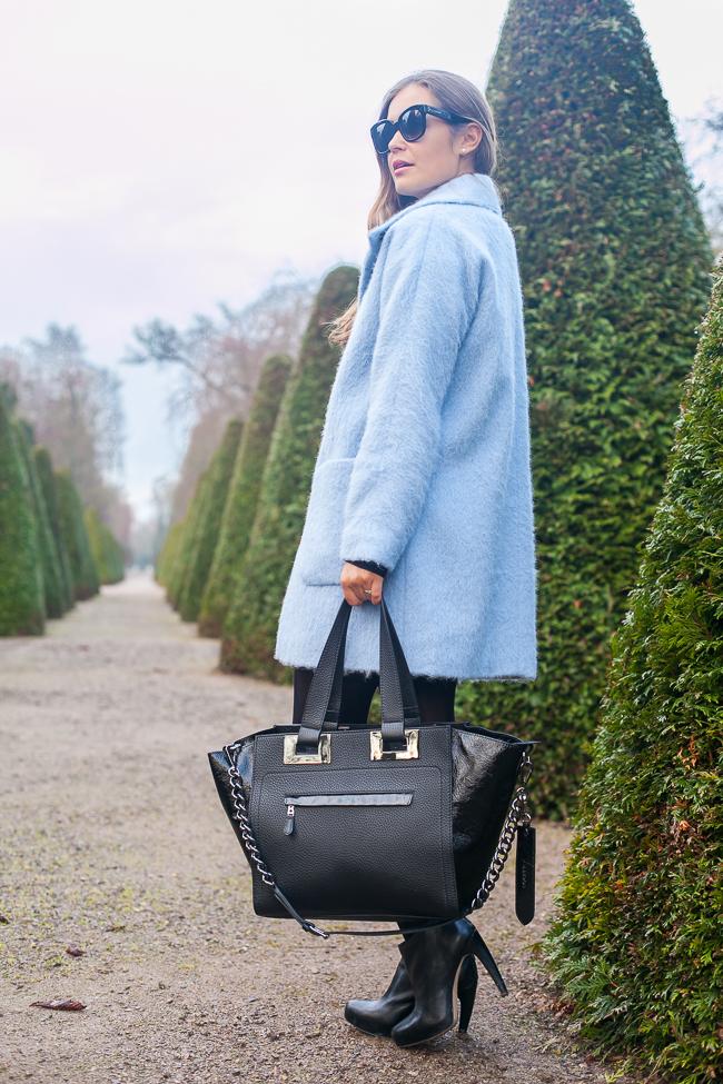 Hallhuber blauer mantel