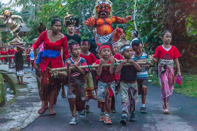 Ogoh-Ogoh Zeremonie auf Bali