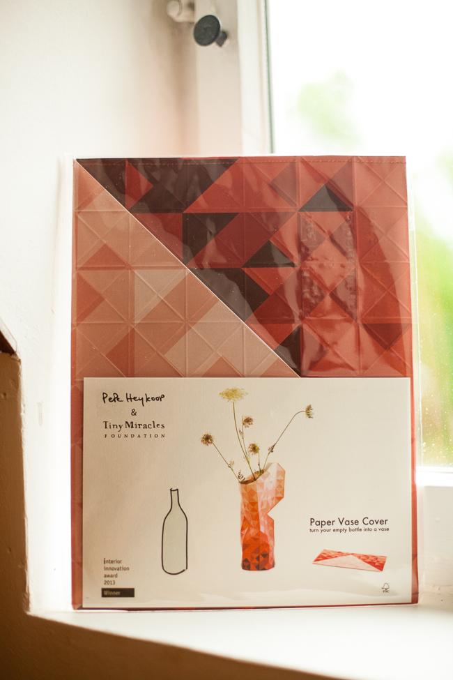 Deko-Highlight: Die Papier-Vase von Pepe Heykoop und Tiny Miracles Foundation bei HAY