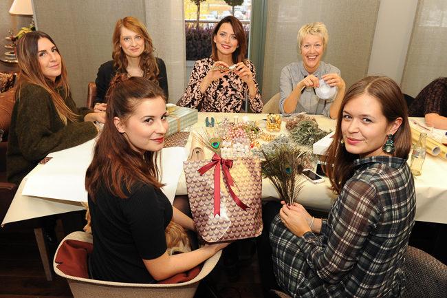 678b00ca5126ba Weihnachtsshopping und Christmas DIY Workshop im Ingolstadt Village - Josie  Loves