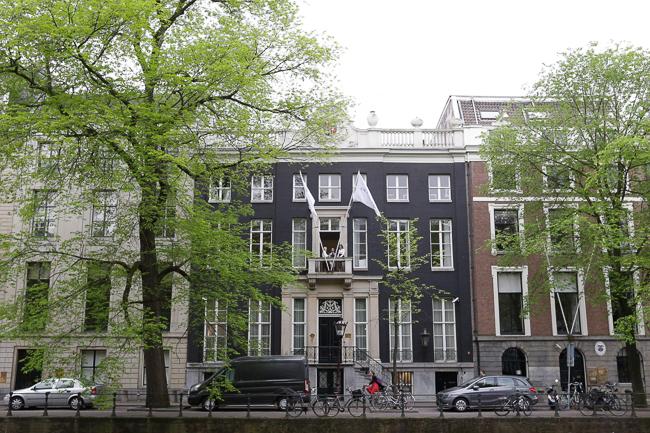 Mit Viktor & Rolf in Amsterdam: Der neue Duft Bonbon Couture
