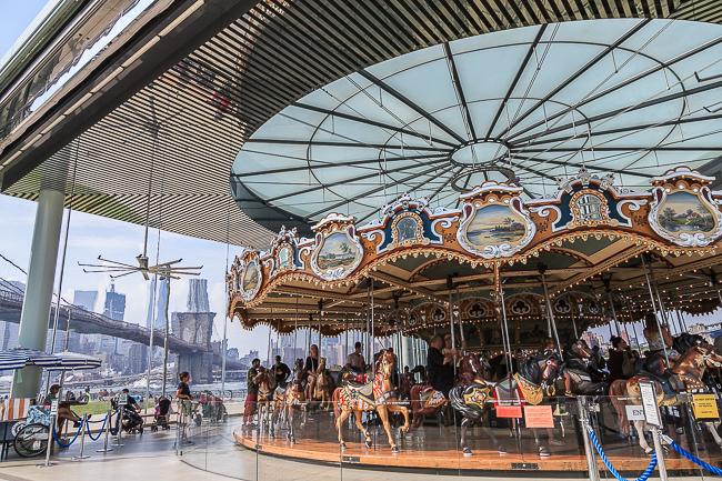 Janes Carousel im Brooklyn Bridge Park
