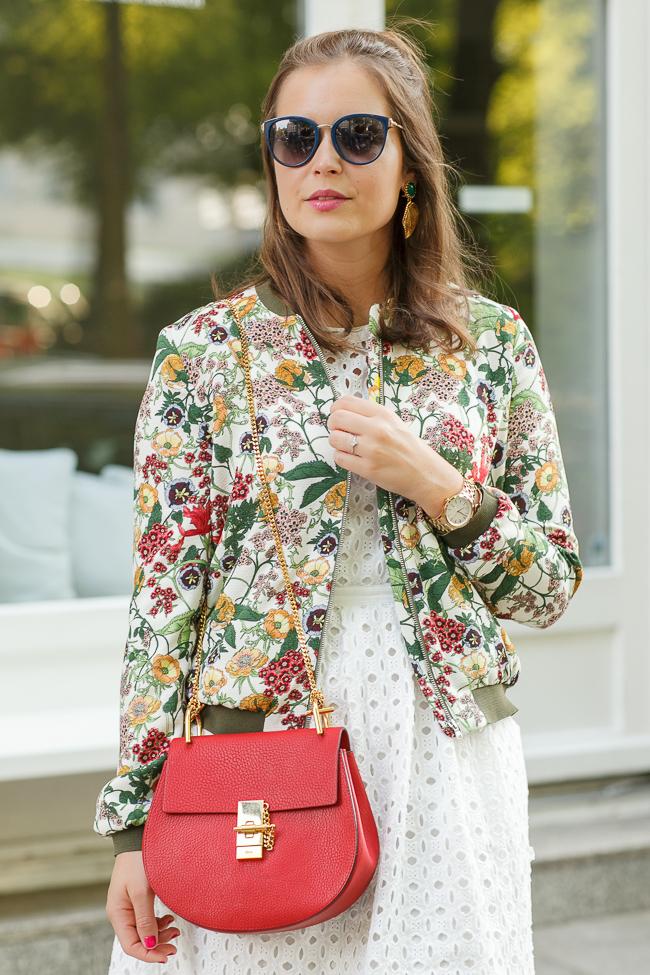 outfit-bomberjacke-blumen-zara-blogger
