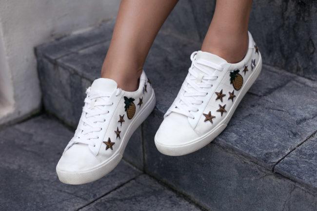 Shopping-Tipp: Sneakers mit Ananas-Patch von MANGO