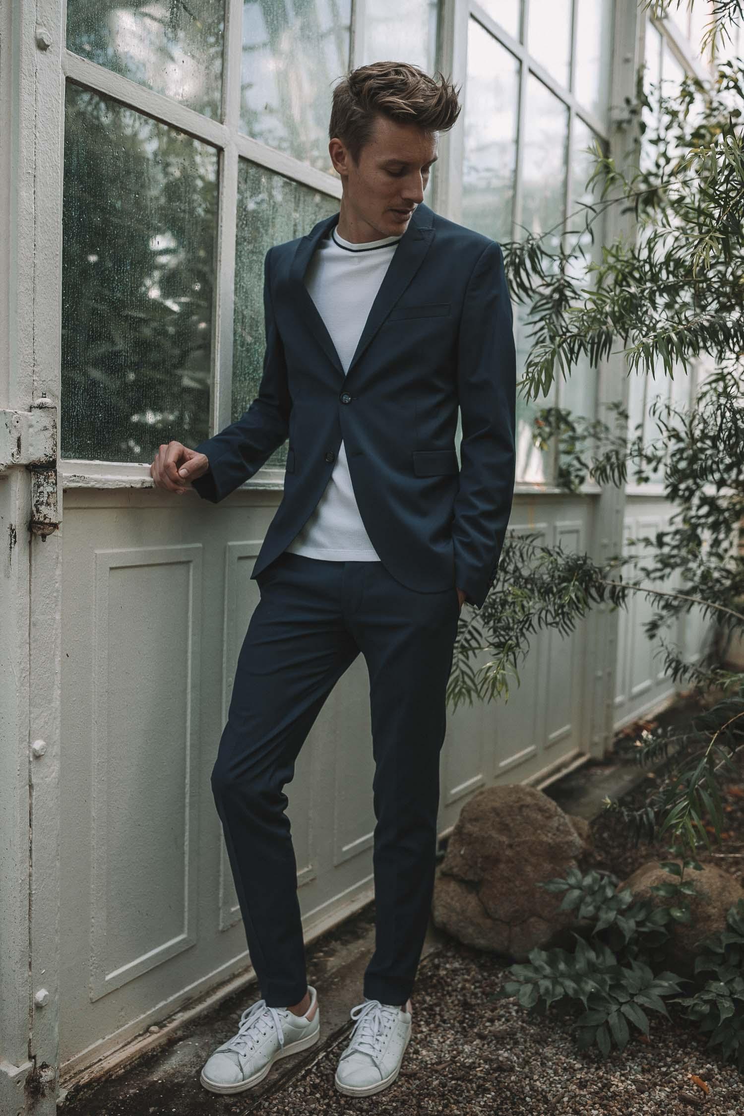 93e9410f6c1b9f Outfit Hochzeitsgast CINQUE Anzug blau-5 - Josie Loves