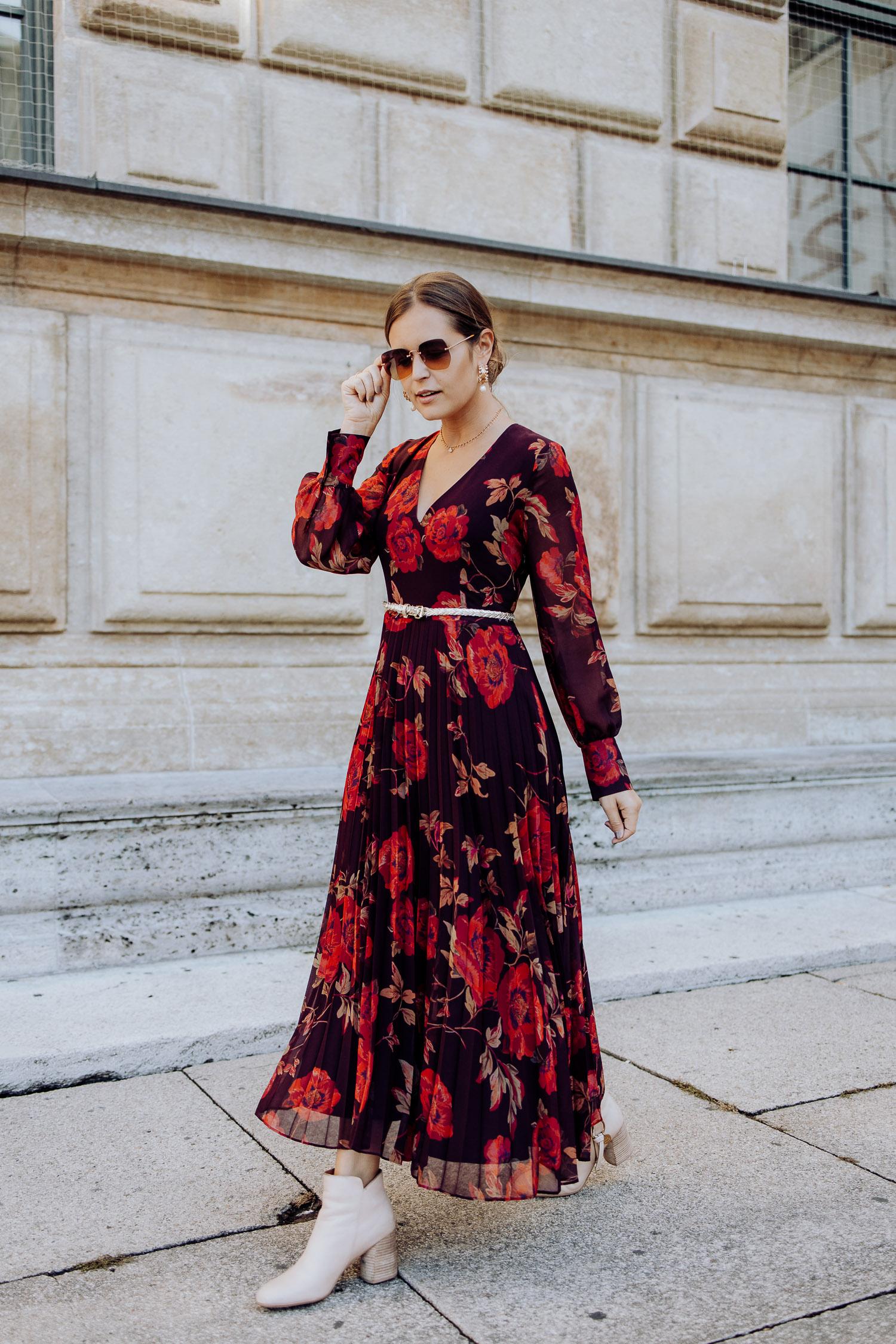 Hallhuber Kleid Blumen rot_-19 - Josie Loves